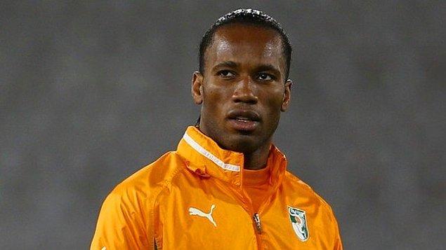 Gösterdiği performansla Fildişi Milli takımına davet edilen Drogba çıktığı ilk maçta golünü atmayı başarmıştı.