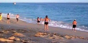 Dalgalar Yüzünden Denizden Çıkmakta Zorlanan Kadın İçin Seferber Olan Sahildeki İnsanların İzlerken Yorulacağınız Görüntüleri