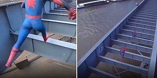 Örümcek Adam Kostümü Giyerek Köprüde Tehlikeli Bir Parkur Performansına İmza Atan Adamlar