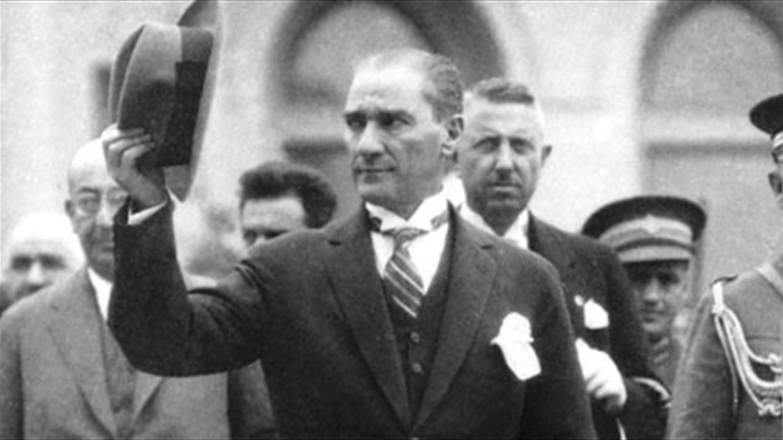 MEB Yönetmeliği Değiştirdi: Milli Bayramlar ve Atatürkçülük Okullara Geri Döndü 41