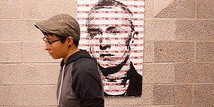 Sticker'ların Üzerine Yaptığı Karalamalarla Eminem Posteri Oluşturan Yetenekli Ressam: Sara Sandoval