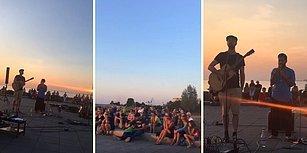 Malmö'de 'Ne Ağlarsın Benim Zülfü Siyahım' Türküsünü Söyleyen Sokak Müzisyenleri