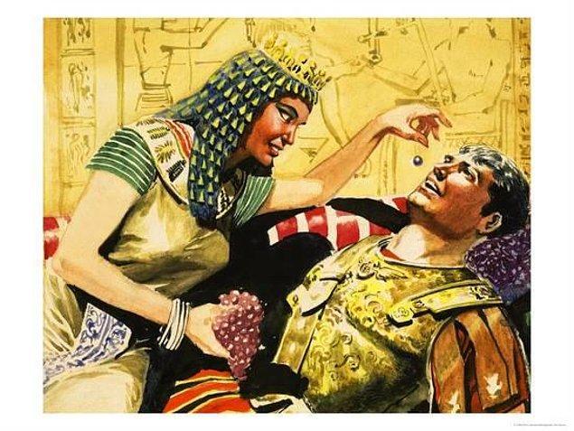 13. Kleopatra'nın bir kokteyle bugünün parasıyla harcadığı miktar 16.000.000$'ın üzerinde.