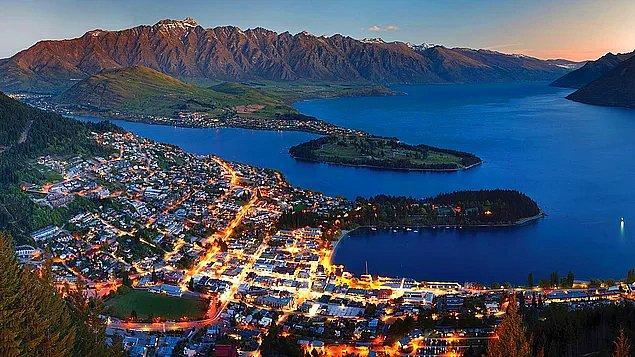 Yeni Zelanda, toprak büyüklüğü açısından İngiltere ile eşdeğerdir.