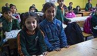 Fotoğrafıyla Gündem Olmuştu: Kağıt Toplayıcılığı Yapan Suriyeli Halime Artık Okullu