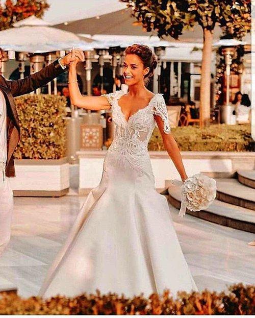 Sonsuz Mutluluğa Evet Bensu Soral Ve Hakan Baş Görkemli Bir Düğünle