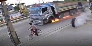 Ölümden Kıl Payı Kurtulan Bisikletli Adamın Aşırı Şanslı Olduğu Anlar