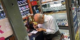 Saatlere Yeniden Can Veriyor: 3 Metrekarelik Dükkanda Akreple Yelkovan Arasında Geçen 57 Yıl
