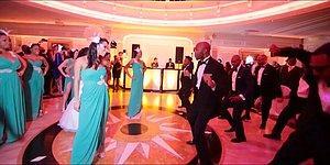 Yaptıkları İlk Düğün Danslarıyla Misafirlerine Oldukça Keyifli Anlar Sunan Çiftler