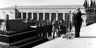 Atatürk'ün Anıtkabir'e Nakli ve Defnine İlişkin Ortaya Çıkan Yeni Görüntüler