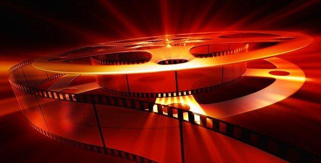 Ancak, film eleştirmenlerinin %45'i kadın olmasına rağmen listede kadın yönetmenlere ait filmler oldukça az.