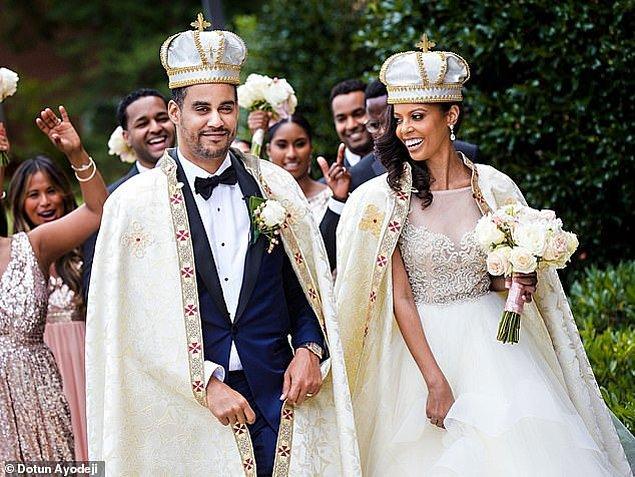 """4. Etiyopya: Amerikalı gelin Ariana Makonnen 2017 yılında Washington D.C.'de , Etiyopya Prensi Joel David Makonnen Haile Selassie'ye """"Evet"""" demek için Cheryl Lofton'un özelleştirdiği Lazaro marka bir gelinlik giymişti."""