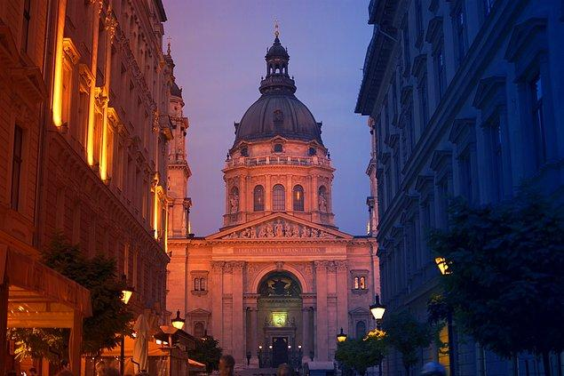 2. St. Stephen Bazilikası, Macaristan.
