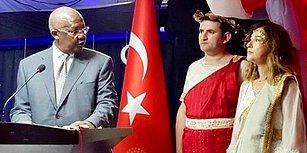 Cumhuriyet Resepsiyonunda Antik Yunan Dönemi Kostümü Giydi: Türkiye'nin Uganda Büyükelçisi Geri Çağrıldı