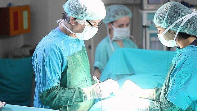 İki yıl kadar uygun akciğer bekleyen hastaya 2017 yılında nakil yapıldı.