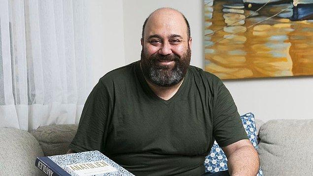 MasterChef Türkiye'nin tatlı mı tatlı şefi Somer Sivrioğlu, başarıdan başarıya koşmuş, ülkemiz mutfağını yıllarca yurt dışında temsil etmiş usta bir isim.