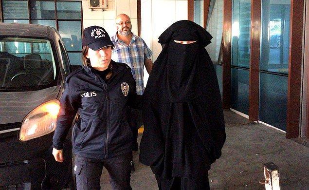 DHA'nın aktardığı bilgiye göre 21 yaşındaki şahıs bugün mahkeme tarafından 'Atatürk'ün hatırasına alenen hakaret ettiği' gerekçesiyle tutuklandı.