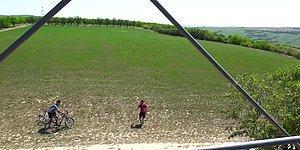 Sahibinin Gözleri Önünde Bir Drone'a Yem Olan Bisiklet