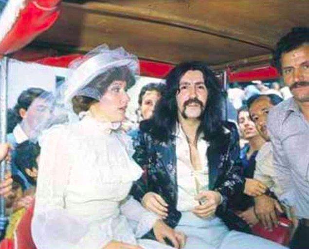 1970 yılında Marie'den ayrılan Barış Manço 78 senesinde Lale Çağlar ile evleniyor. Batıkan ve Doğukan isimli iki çocuğu oluyor.