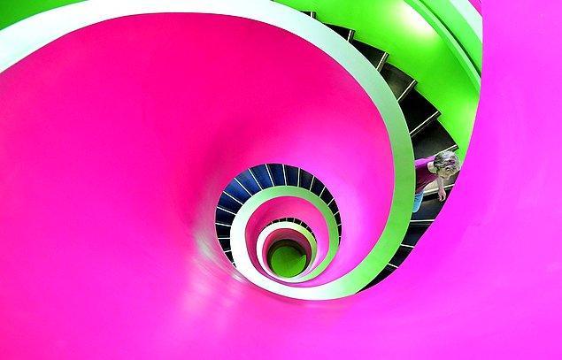 6. Bu göz alıcı fotoğraf ise Almanya'da bir kütüphaneye ait...