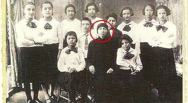 1. 12 Kasım 1934'de Türkiye'de ilk kez bir kadın, belediye başkan yardımcısı oldu.