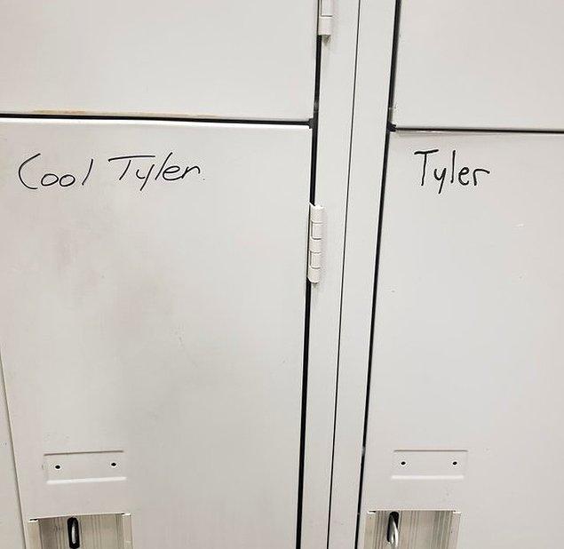 """8. """"Yeni bir işe başladım. Ofiste bir tane daha Tyler varmış. Kendimi ayrıştırmak istedim."""""""