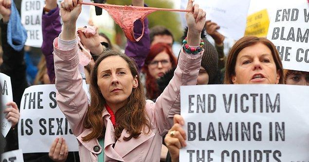 Ancak zanlının avukatı Elizabeth O'Conell'ın kapanış savunması büyük tepki çekti ve internette protesto gösterileri organize edilmeye başlandı.
