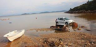 Araçlar Denize Sürüklendi, Ev ve İş Yerlerini Su Bastı: 12 Fotoğraf ile Bodrum'da Yaşanan Sel Felaketi