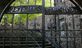 Hakkında Anlatılan Hikâyelerle Tüylerimizi Ürperten Dünyanın En Lanetli 10 Mezarlığı