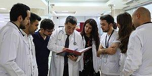 Fırıncılıktan Doktorluğa! 53 Yaşında Tıp Fakültesini Bitirip Doktor Olan Ercüment Abi'nin Azimli Hikayesi