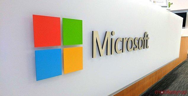 1. Mevcut Microsoft logosu, tanıdık 4 renkli karelerin yanında O.S'nın kelime yazı tipi Segoe'yi kullanır.