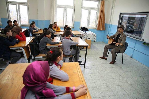 16 yıllık meslek hayatında birçok yerde öğretmenlik yapan Erhan Hoca şunları da ekliyor;