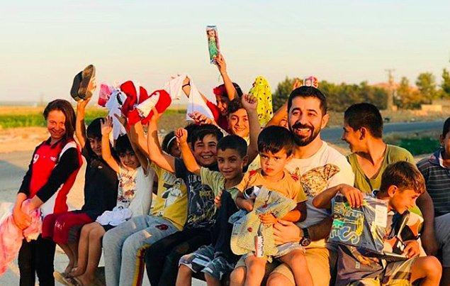 4. Oyuncak Kardeşliği ekibi güzel yürekleriyle çocukları mutlu etti, bize de yaptıkları bu şahane hareketi övmek kaldı. Bu dünyalar tatlısı kardeşimizin sevinci, hepimizi mutluluk gözyaşlarına boğdu.