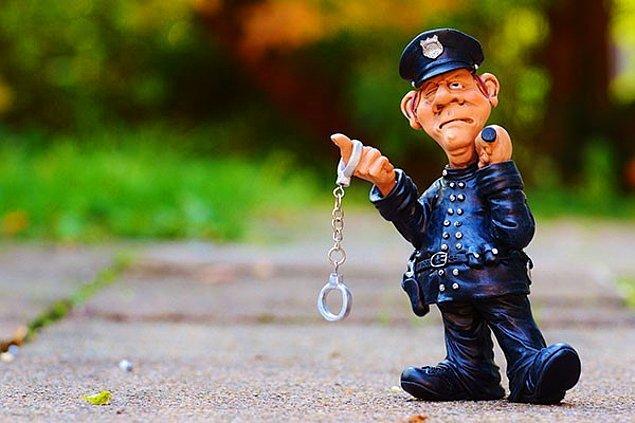 8. Kötü Polis Dümeni