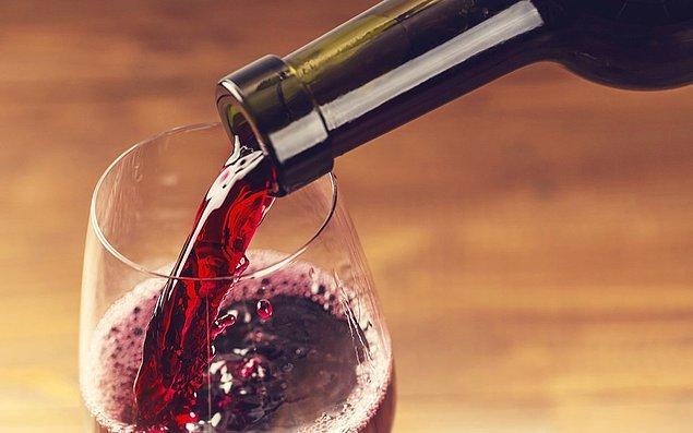 1. Renk değişimi ya şarabın yıllandığını ya da bozulduğunu gösterir.