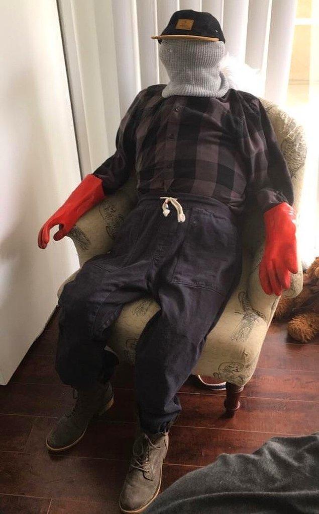 11. Eşiniz sandalyenize elbise fırlatmayı seviyorsa;