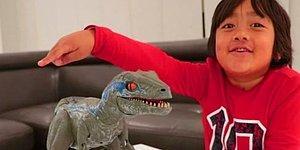 Youtube'un En Çok Kazananı Sadece Bir Çocuk! Yıllık 22 Milyon Dolar Geliriyle 8 Yaşındaki Ryan