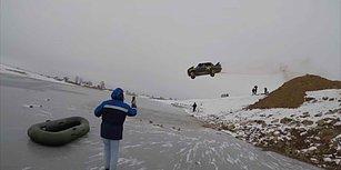 Yanan Arabayla Buz Tutmuş Göle Uçan Rahatsız Adam