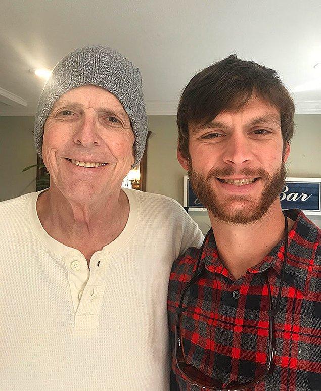 """14. """"Bu babamla son fotoğrafım, geçen yıl Noel'de çekildi. 4. evre pankreas kanseriyle 14 aylık savaşını kaybetti."""""""