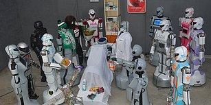 Sahneden Düşen Robot Mini Ada'nın Onarımı Yapıldı: Arkadaşlarından 'Etli Ekmekli' Hasta Ziyareti!
