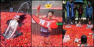 Çin'de Yapılan Acı Biber Yeme Yarışmasında 20 Acı Biberi 1 Dakikada Yiyen Kadın