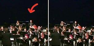 Bu Nasıl Şanssızlık: Konser Sırasında Kontrol Edemediği Tokmak İle Müzisyen Arkadaşını Vuran Davulcu