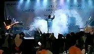 Endonezya'da Meydana Gelen Tsunami'nin Konser Sırasında Kaydedilen Korkunç Görüntüleri