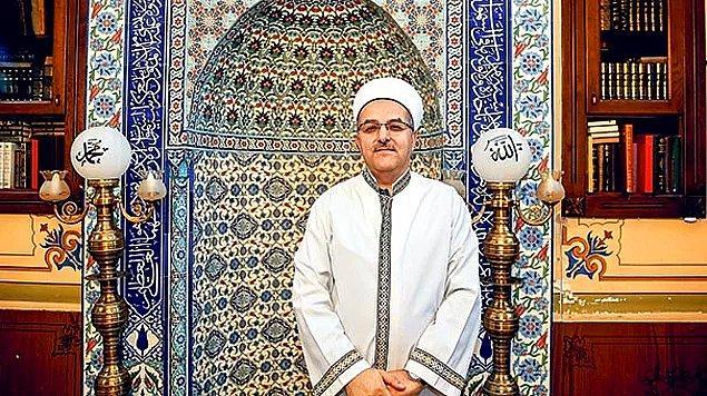 Çok güzel, çok! Selimi Hatun Camii imamı Osman Gökrem, yıkanabilmeleri için abdesthaneyi evsizlere açtı.