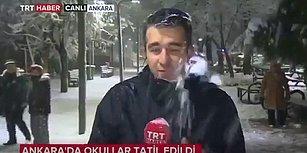 Canlı Yayın Yapan TRT Muhabirini Kar Topu Yağmuruna Tutan Çocuklar