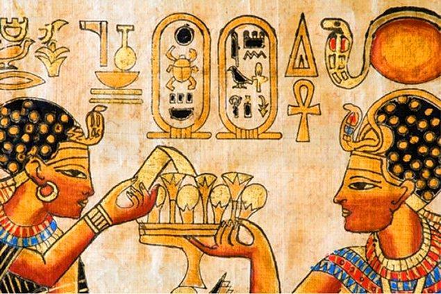 3. Hazır ağız ve diş sağlığından laf açılmışken Eski Mısırlıların diş macununu icat ettiklerini de es geçmeyelim. Hazırladıkları bu diş macununun içinde kaya tuzu, karabiber, nane ve kurutulmuş iris çiçeği vardı.