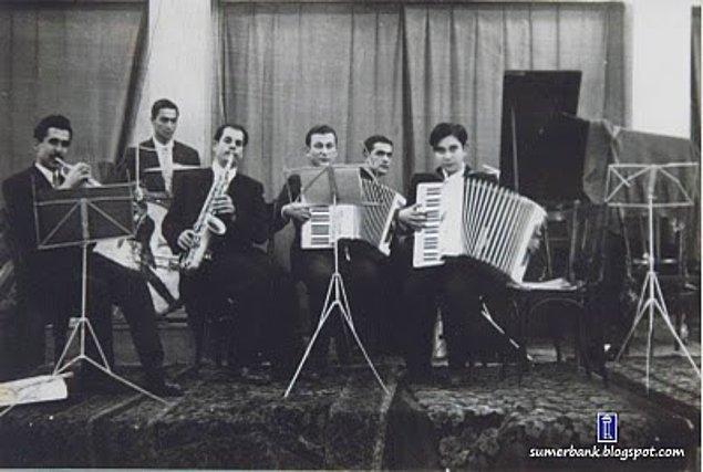Sadece müziğin yayılması değil, üretilmesi de fabrika çalışanlarının isteğiyle gerçekleşiyordu: Fabrika Müzik Grubu!