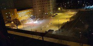 Rusya'da Çılgınlar Gibi Havai Fişek Savaşı Yapan Kafadarlar