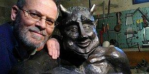 Selfie Çeken 'Sevimli Şeytan' Heykeli İspanya'yı Karıştırdı: 'İtici ve Adi Gösterilmesi Gerek'