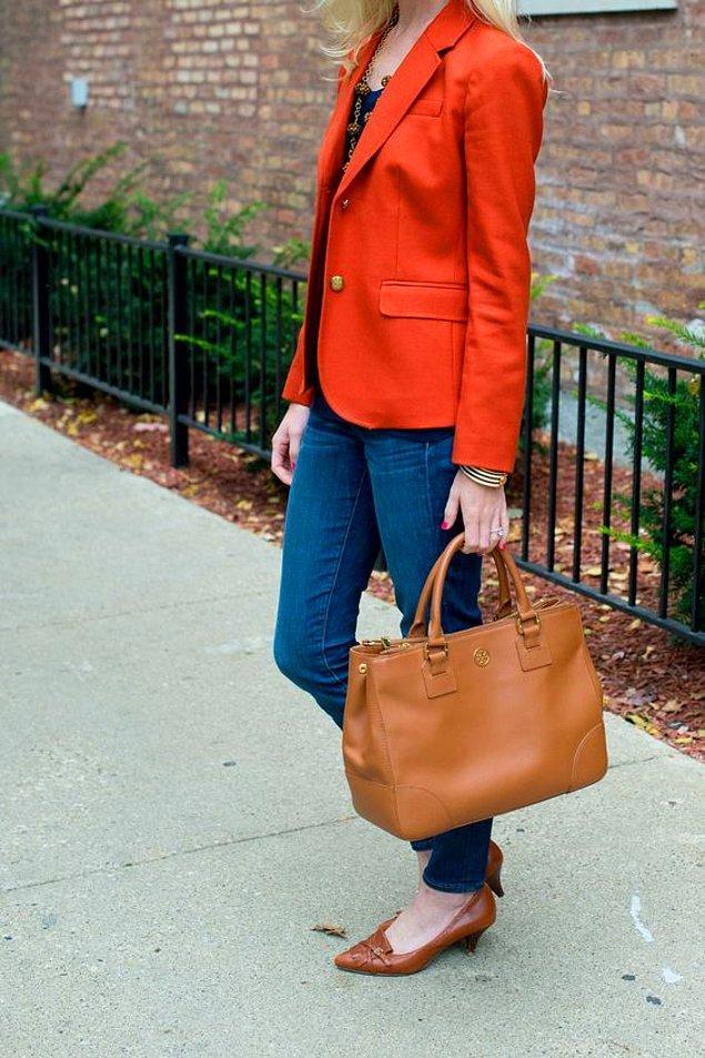 9. Ya da turuncu bir ceket?